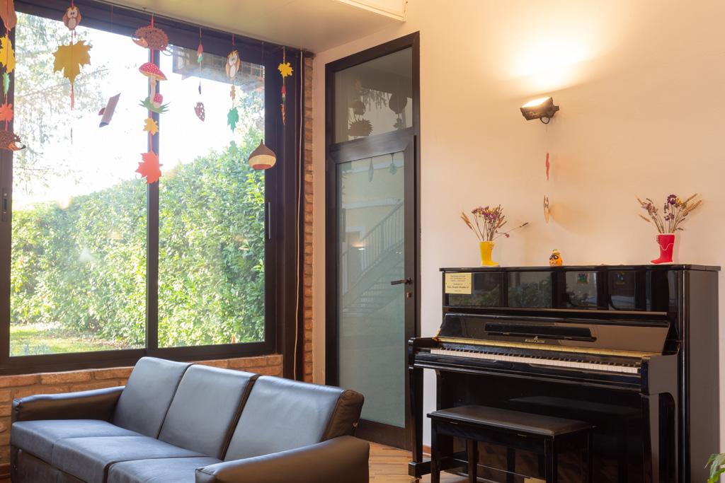 Ingresso e pianoforte casa di riposo e centro per anziani